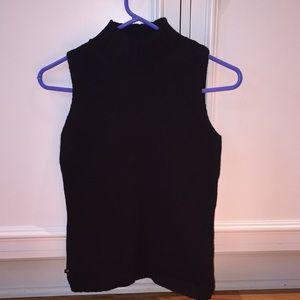Women's petite sleeveless sweater.. Lauren